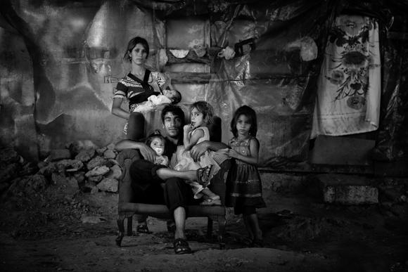 Alan fotoğraf - arzu ibranoğlu - kocaeli - köprü altı ailesi
