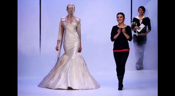 Havva AĞU: 2012 Gelinlik Tasarım Yarışması Birincisi